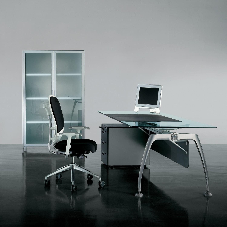Tiper Executive Desk